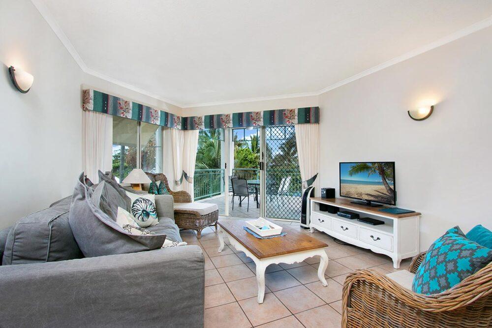 3bed-trinity-beach-holiday-apartments1