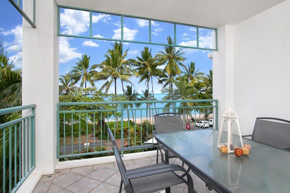 3bed-trinity-beach-holiday-apartments2