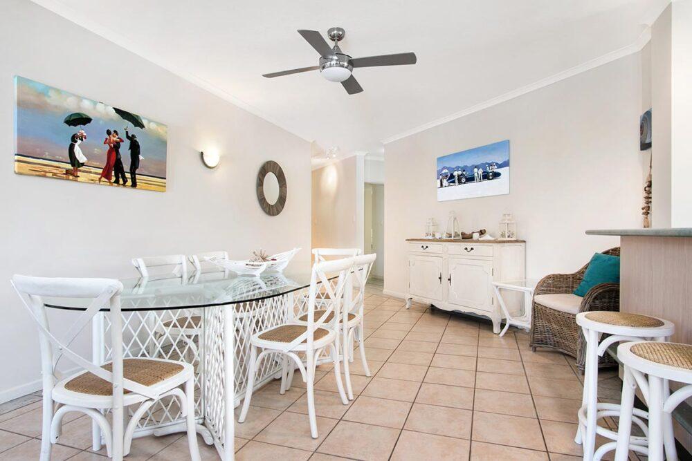 3bed-trinity-beach-holiday-apartments5